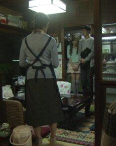 新参者ミニスカ妻と家族.jpg